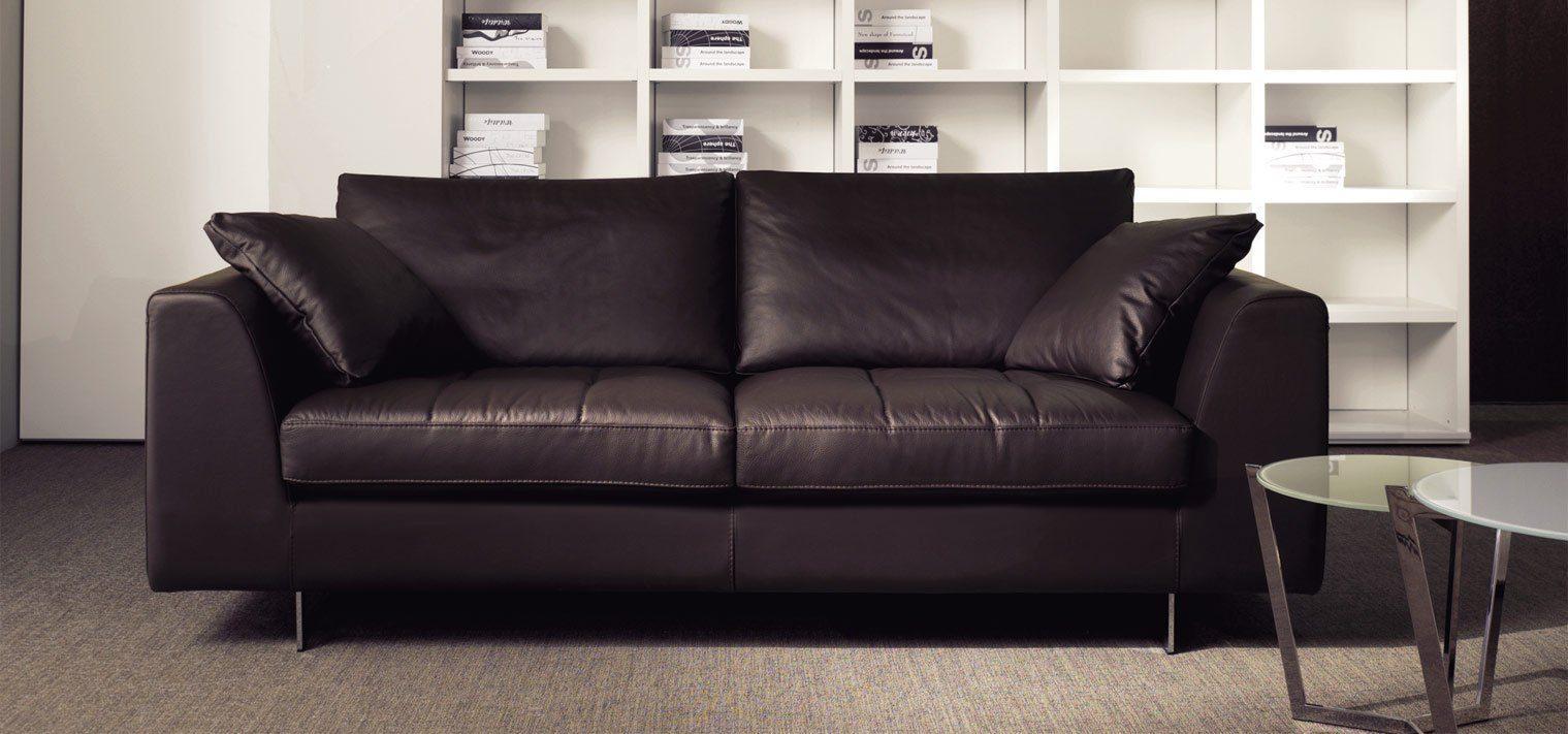 Sof s para la decoraci n de interiores en for Ofertas de sofas en piel