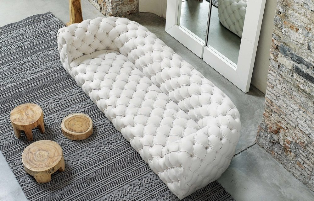 Sofá Chesterfield moderno blanco