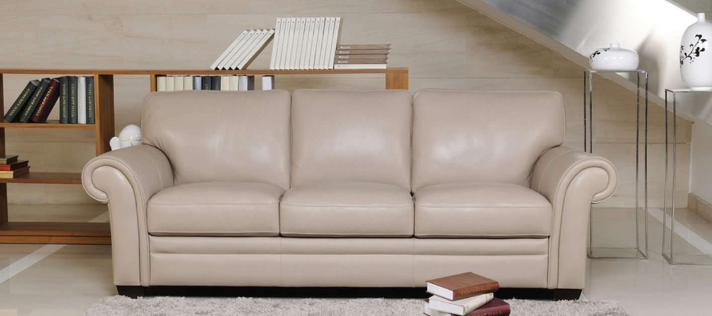 Sof s cl sicos for Sofas de piel con cheslong