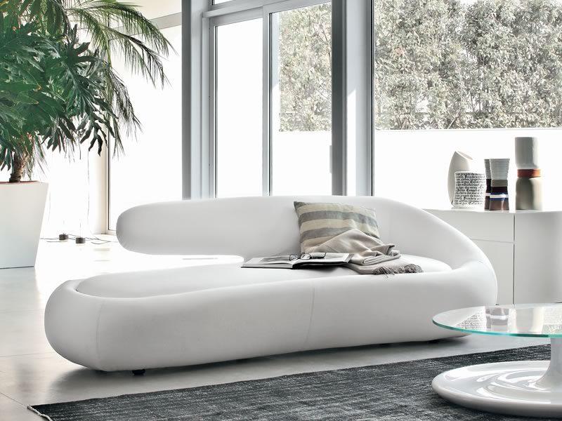 Sof de dise o de cuero blanco im genes y fotos - Sofa cuero blanco ...