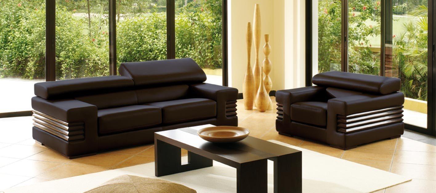 Sof s de cuero for Sofa de madera para terraza